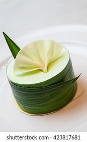 pan-dan cake with pandan cream