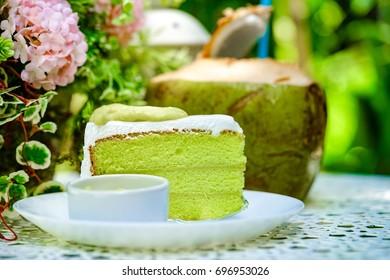 Pandon cake with sweet pandon sauce