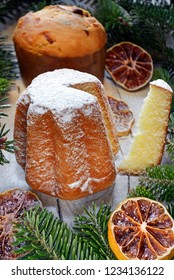Pandoro and Christmas panettone