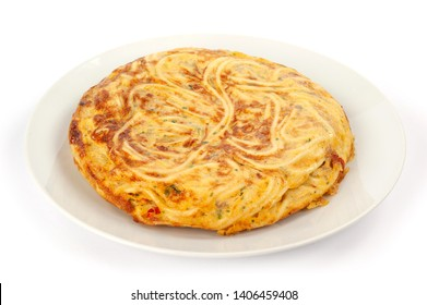 pan-fried spaghetti with omelette egg
