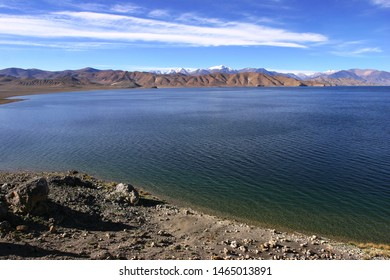 pangong tso is located in the Ali area of Tibet, China. It is a transparent turquoise lake with a high altitude and extends along the Himalayas to Ladakh, India. It is a beautiful scenery for hiking.