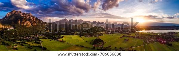 Panorama vom Luftuntergang Forggensee und Schwangau, Deutschland, Bayern
