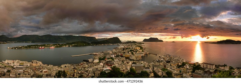 Panorama from Alesund view point on Akslafjell