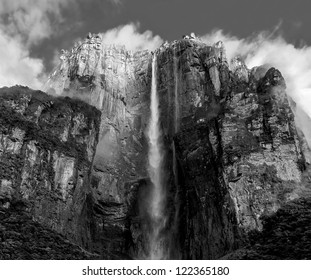 The panorama of the Angel Falls ( Salto Angel ) is worlds highest waterfalls (978 m), Venezuela (black and white)