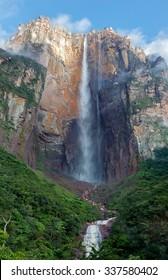 The panorama of the Angel Falls ( Salto Angel ) is worlds highest waterfalls (978 m), Venezuela