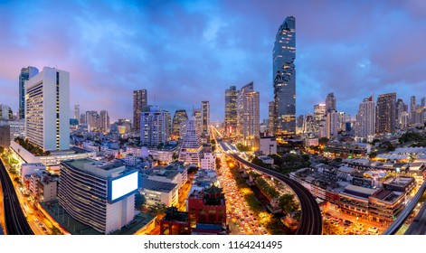 Panorama Bangkok skyline Cityscape, Business district with high building at dusk