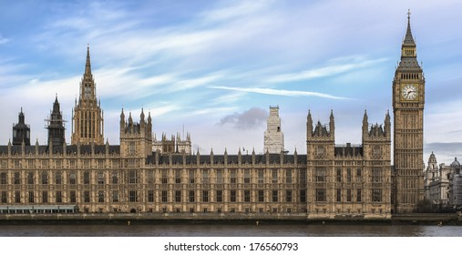 Panorama of Big Ben and the Parliament in London, United Kingdom.