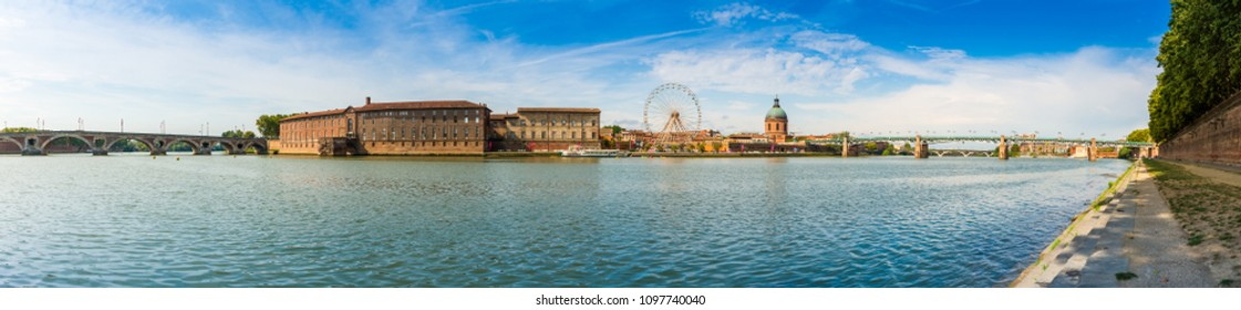 panorama of the bridges over the river Garonne in Toulouse in Occitanie, France