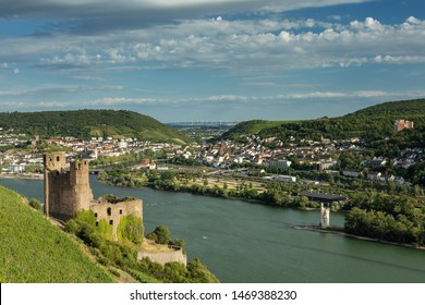 Panorama of castle Ehrenfels near Ruedesheim, Hessen, Germany