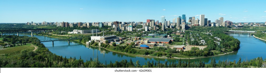 Panorama of city downtown and the north saskatchewan river valley, edmonton, alberta, canada