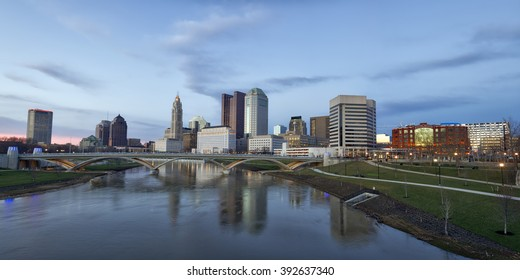Panorama of the Columbus, Ohio skyline along the Scioto River