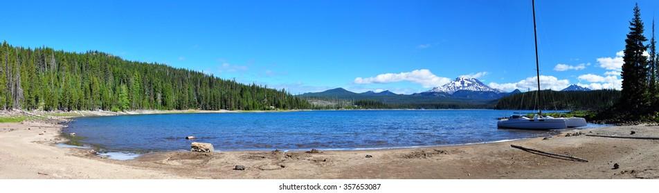 Panorama of Elk Lake, Oregon, U.S.A.