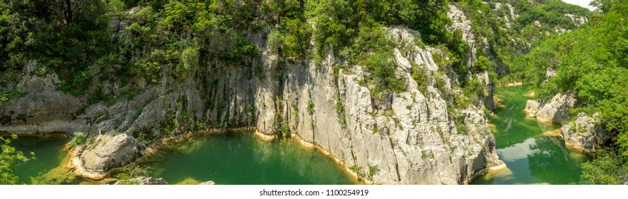 panorama of the gorges of a winding green river in the south of France