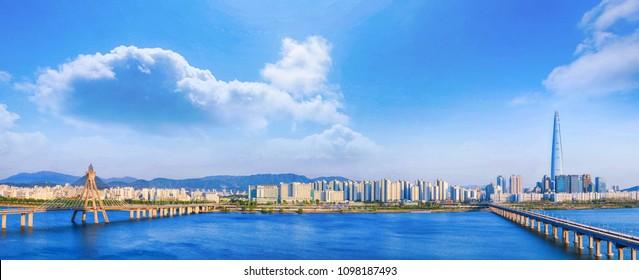 panorama and  hdr Seoulcity South Korea. Hangang River and bridge