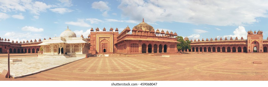 Panorama with high resolution of Tomb of Salim Chishti. Buland Gate, Dadupura, Fatehpur Sikri. Attractions India, vintage old palace.