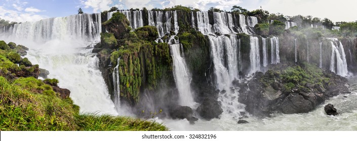 Panorama at Iguazu Falls, one of the New Seven Wonders of Nature, Argentina