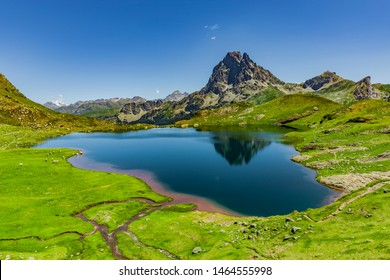 Panorama lacs d'Auyous and Pic d'Ossau in the French Pyrenees National Park