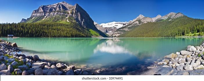 A panorama of lake louise