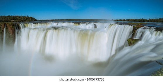 Panorama and long exposure of the most beautiful waterfall I've been able to see. Iguazu in Argentina/Brazil. This location is called Garganta del Diablo