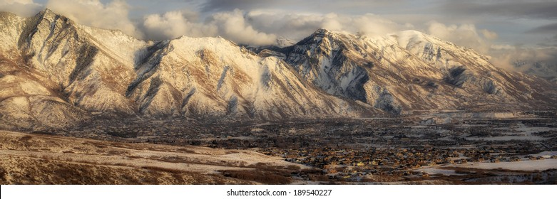 Panorama of the mountains of Utah County.
