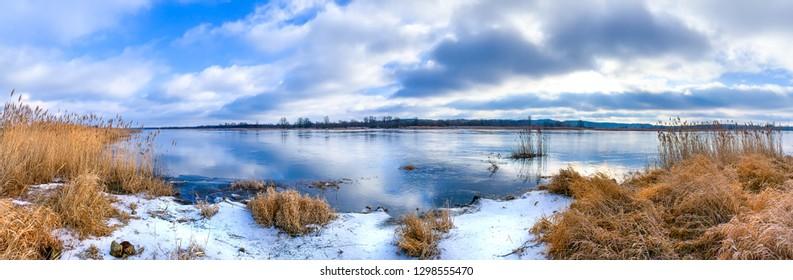 a panorama of the Oder in winter near Hohenwutzen (Germany)
