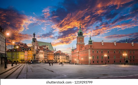 Panorama of the old town in Warsaw (Warszawa), Poland. The Royal Castle and Sigismund's Column called Kolumna Zygmunta at sunset. Historic Center is UNESCO World Heritage Site.