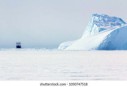 Panorama on icebergs and ice on the water in front of him, terrain and scenery Antarctic , day,