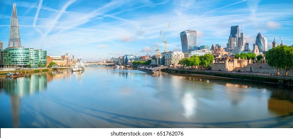 panorama of the River Thames
