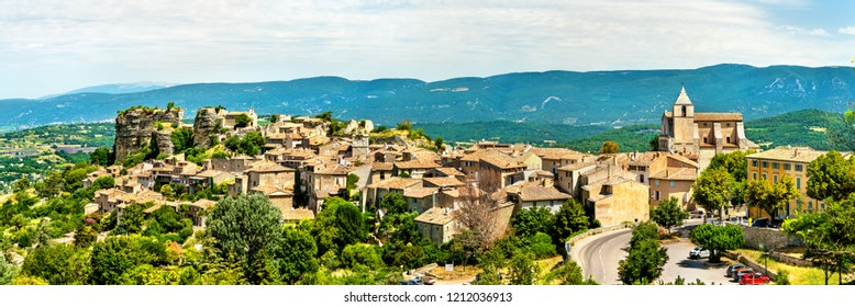 Panorama of Saignon village in Vaucluse - Provence, France