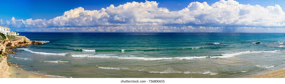 Panorama with the sea and sky, sandy beach, high resolution photo