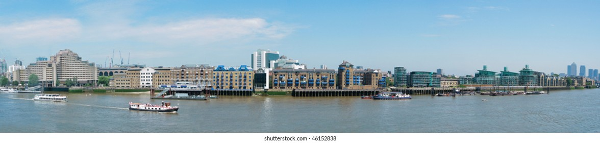 panorama of thames river in london