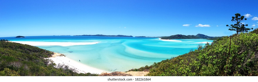 Panorama view of the beautiful Whitehaven Beach in the Whitsunday Islands, Queensland, Australia