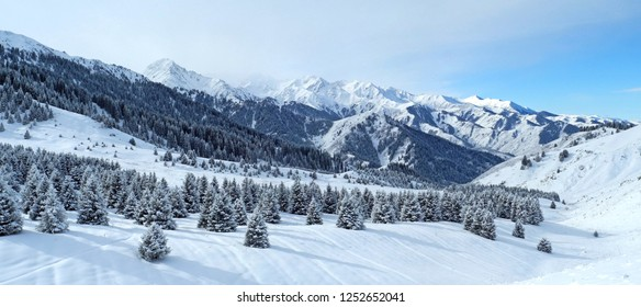 panorama-winter-mountains-northern-tien-