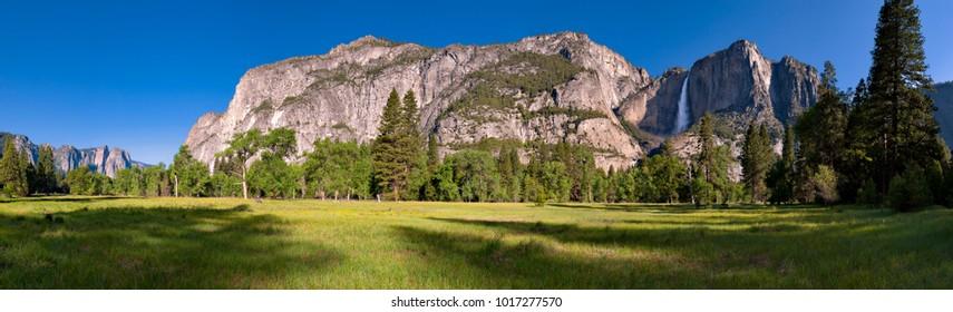 Panorama of Yosemite Valley, with Yosemite Falls.