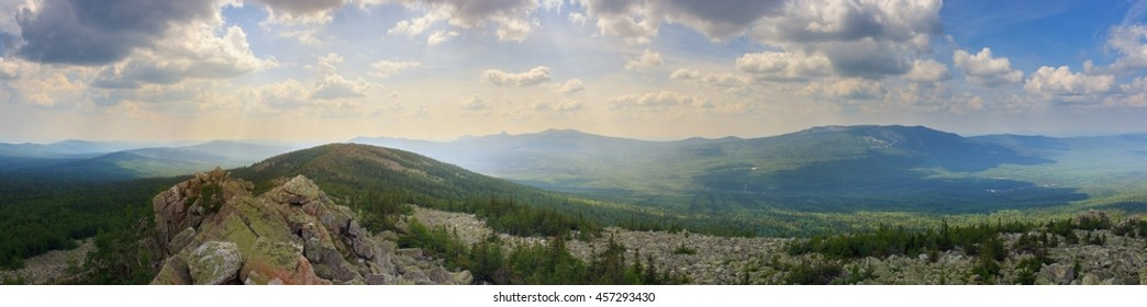 panoramas of mountains