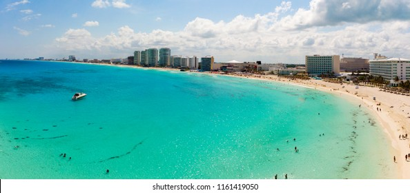 Panoramic aerial view of Zona Hotelera