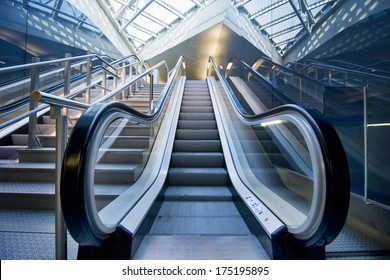 A panoramic angle of escalator / Escalator