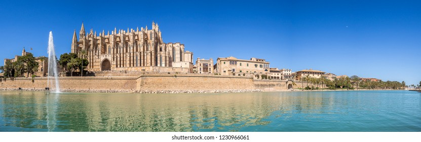 The panoramic day view of famous Palma de Mallorca Catedral de Santa María. One of the biggest and most famous cathedral. Palma de Mallorca, Mallorca, Spain