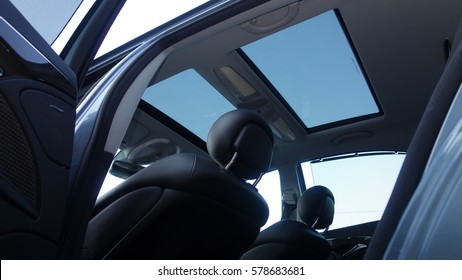 Panoramic double sunroof with wind deflector, black colour