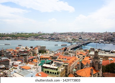 Panoramic of Golden Horn and Galata Bridge connecting the sultanahmet and beyoglu areas from Galata tower, Sultanahmet skyline in Istanbul, Turkey