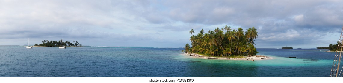 Panoramic Island in the archipelago of San Blas , Panama