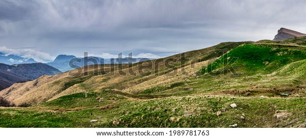 panoramic-landscape-view-over-gumbashi-6