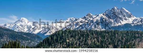 panoramic-landscape-view-snow-covered-60