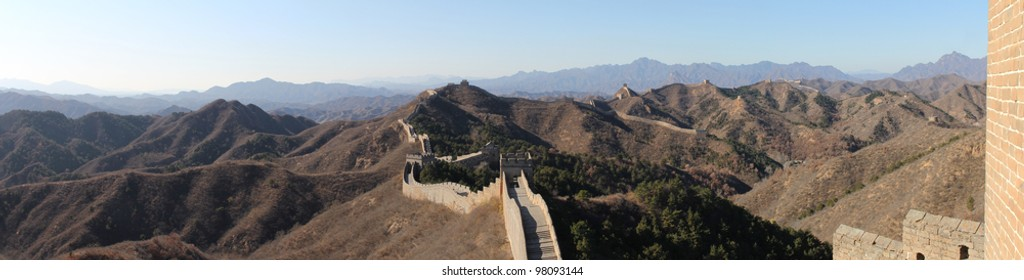 Panoramic photo of the Great Wall in China.