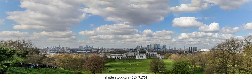 Panoramic photo of the London skyline, taken from Greenwich Hill