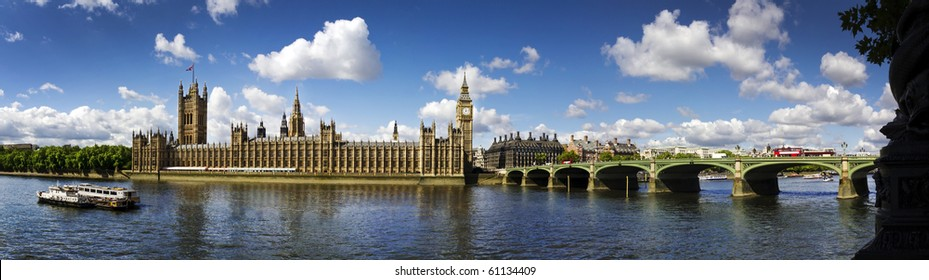 Panoramic picture of Houses of Parliament, Big Ben and Westminster Bridge, London