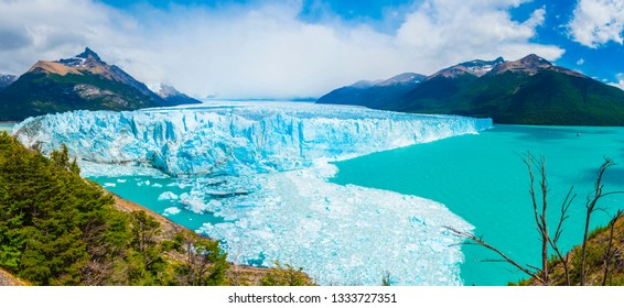 Panoramic picture of an old turquoise ice of Perito Moreno glacier. Los Glaciares national park, Argentina