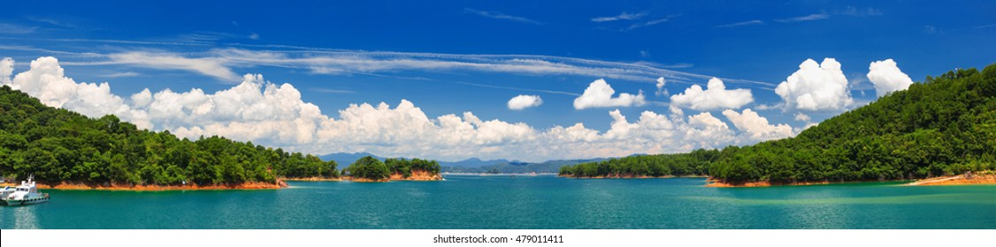 Panoramic scenery of Xinfengjiang reservior (Wanlu lake) at Heyuan, Guangdong, China. Famous as a tourist attraction and its clear and almost drinkable lake water.