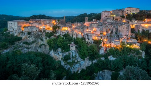 Panoramic sight of Sorano in the evening, in the Province of Grosseto, Tuscany (Toscana), Italy.