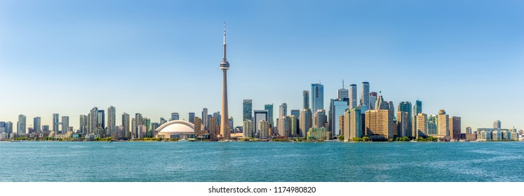 Panoramic skyline view at the Toronto city - Canada